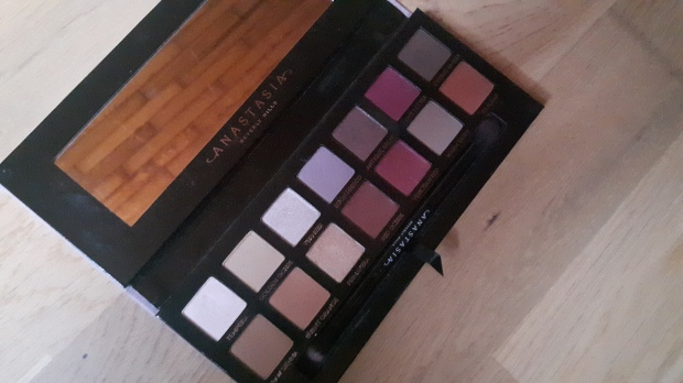 anastasia beverly hills, modern renaissance, makeup, maquilalge
